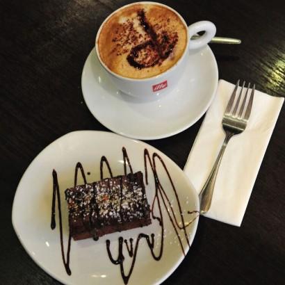 Deelys-Cafe-4.jpg