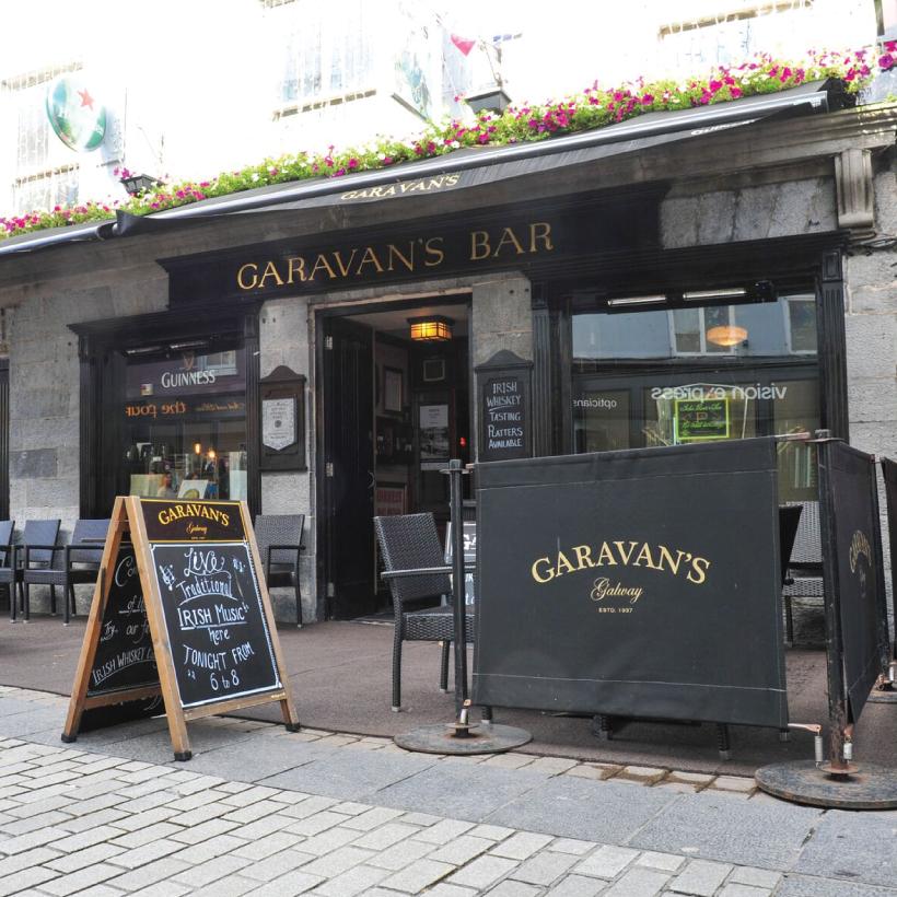 Garavans-Bar-9.jpg