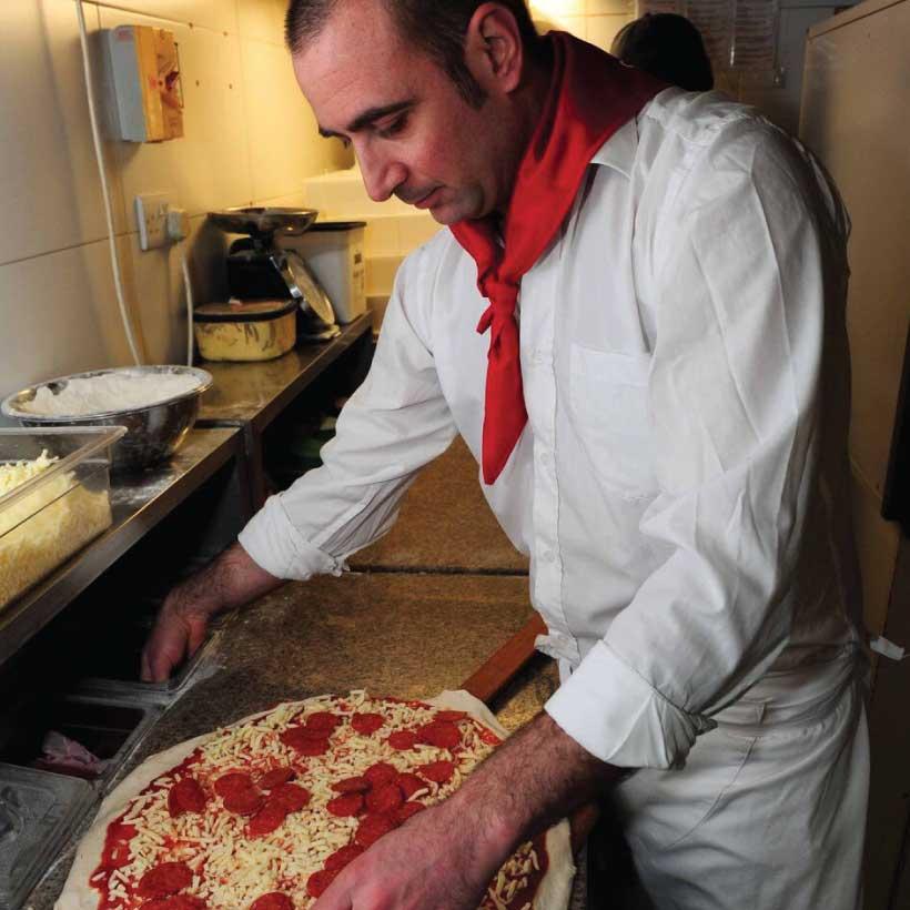 Pizza-Napoli-8.jpg