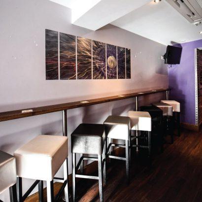 Charlies-Bar-11.jpg