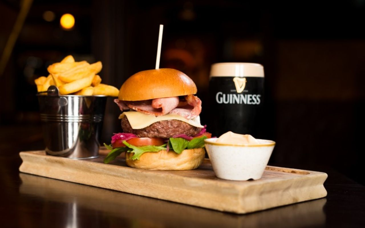 10 locations to watch six nations in galway this is galway front door pub rubansaba