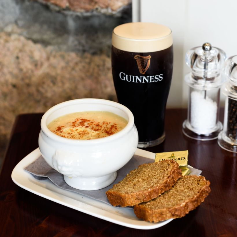 Donnellys Chowder and Pint