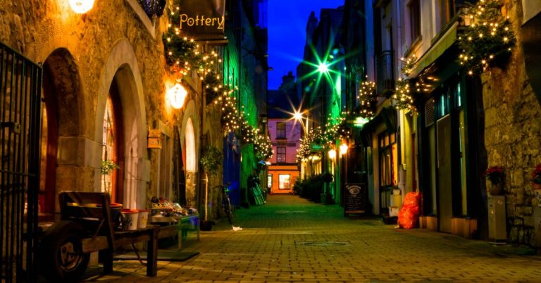 IMMERSE YOURSELF IN GALWAY'S CULTURAL SCENE