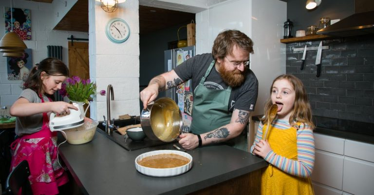 MICHELIN STAR CHEF TEACHING KIDS TO COOK