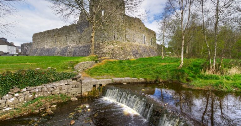 AN INSIDER'S GUIDE TO ATHENRY