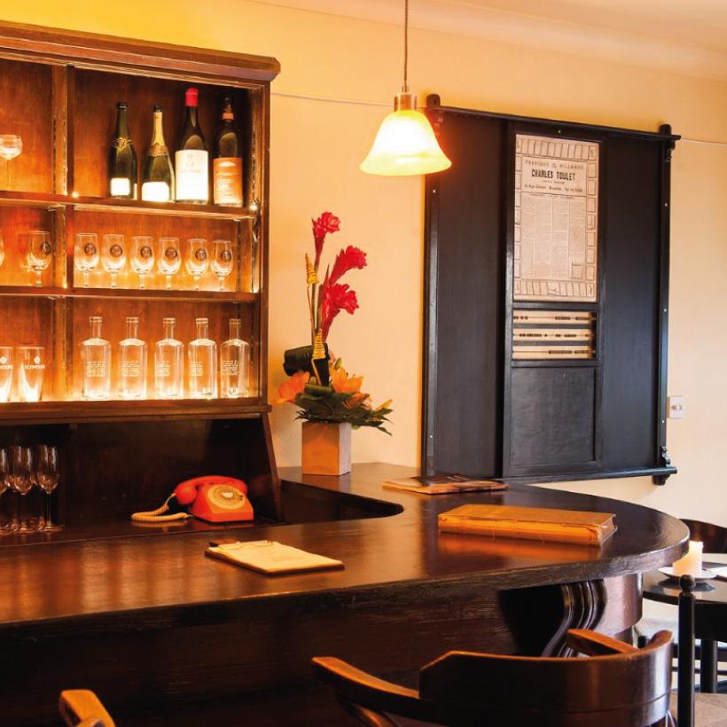 Lamplight-Wine-Bar-3.jpg