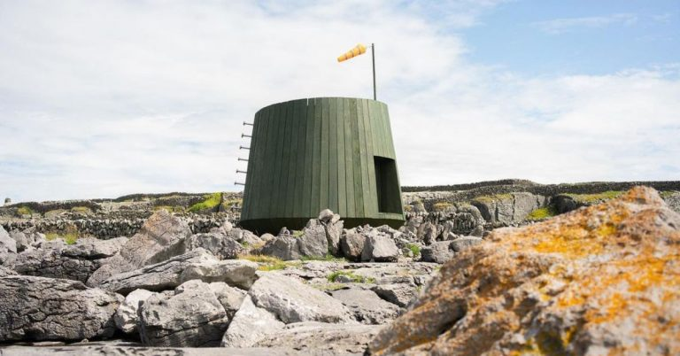 AN ARTISTS' ESCAPE EMERGES ON INIS OIRR